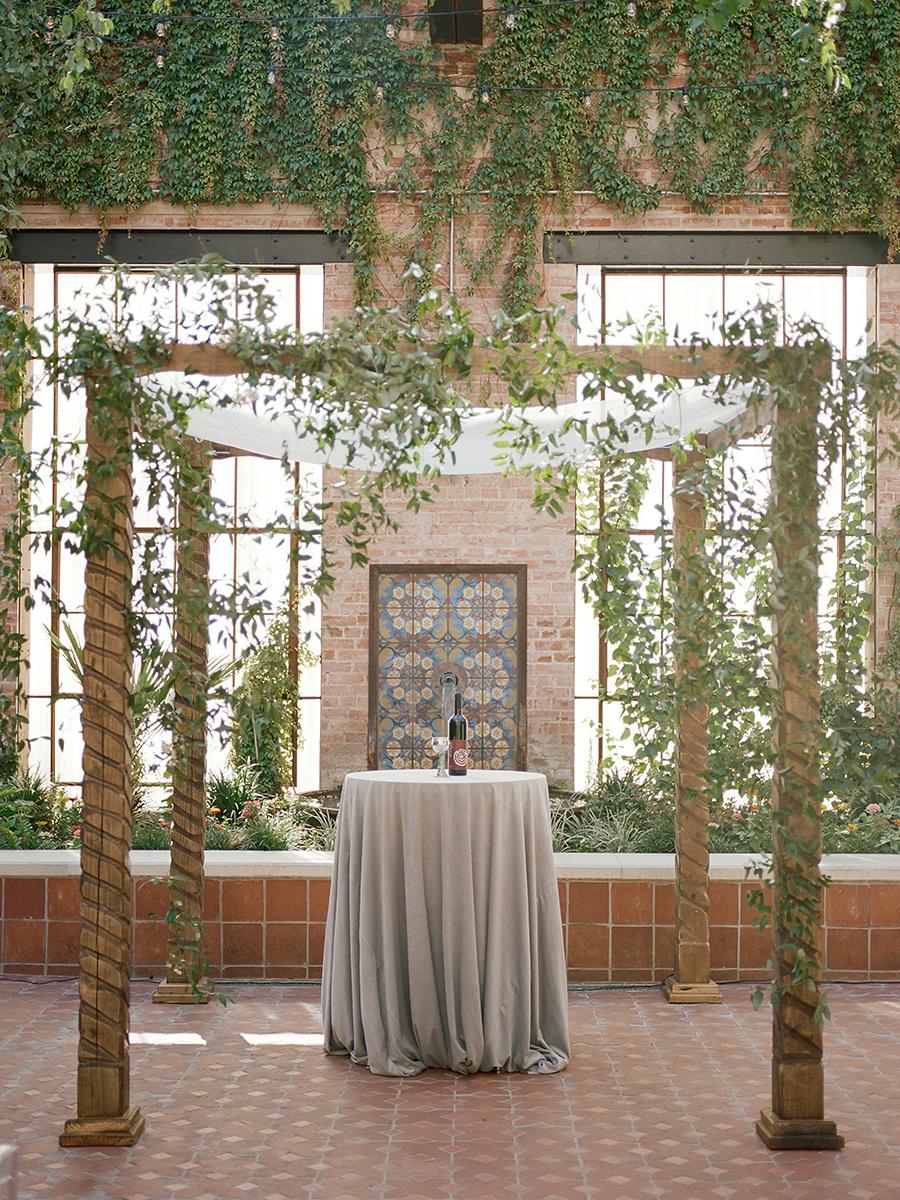 michelleleoevents.com | Hotel Emma Weddings | Heather Nan Photography | Michelle Leo Events | Utah Wedding Planner and Designer _ (8).jpg