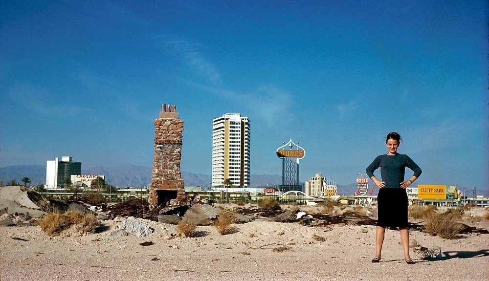 Denise Scott Brown en Las Vegas 1966 / foto: Robert Venturi