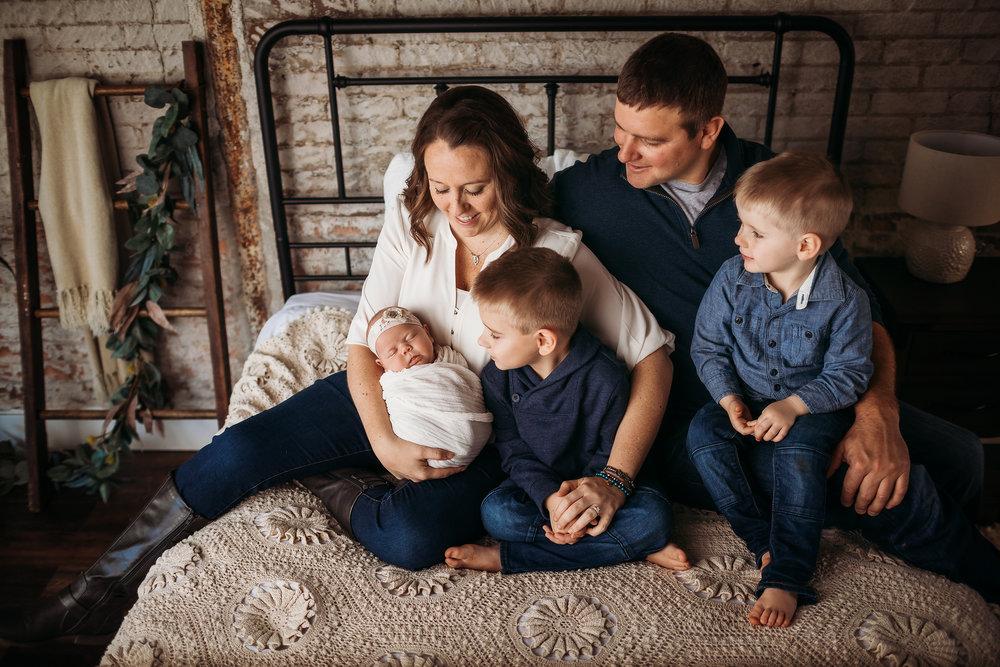 lifestyle-newborn-family-studio.jpg