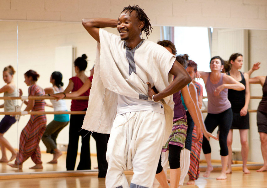 Moise-Kourouma-Danse-africaine.jpg