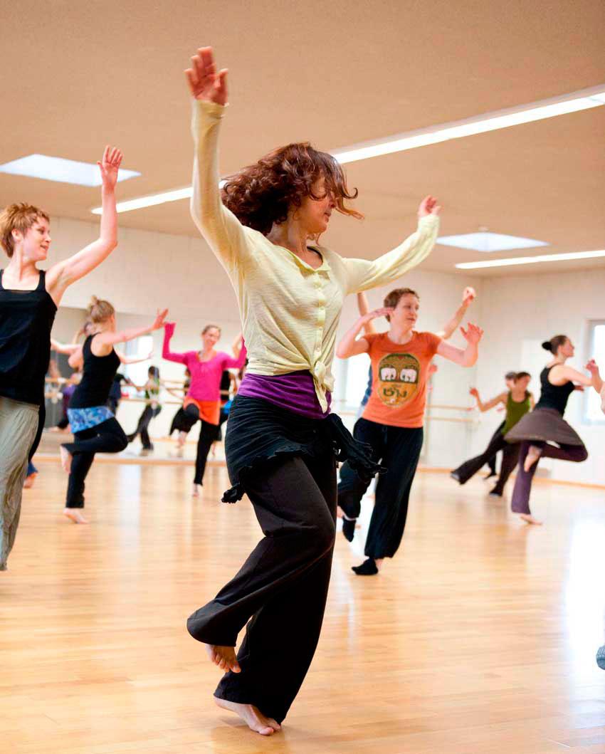Danse-Africaine-Sabine-Jourdan-Villeneuve-Avignon.jpg