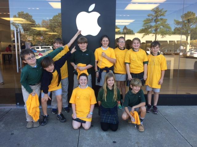 4th grade apple store field trip 2015.jpg