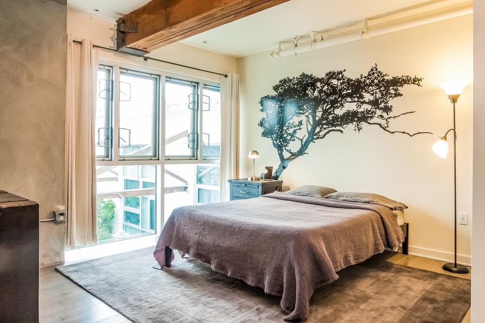 010-Bedroom-2177365-large.jpg