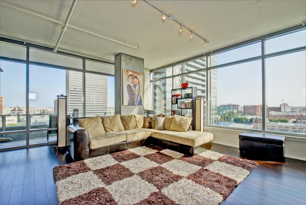 000-Living_Room-385477-large.jpg