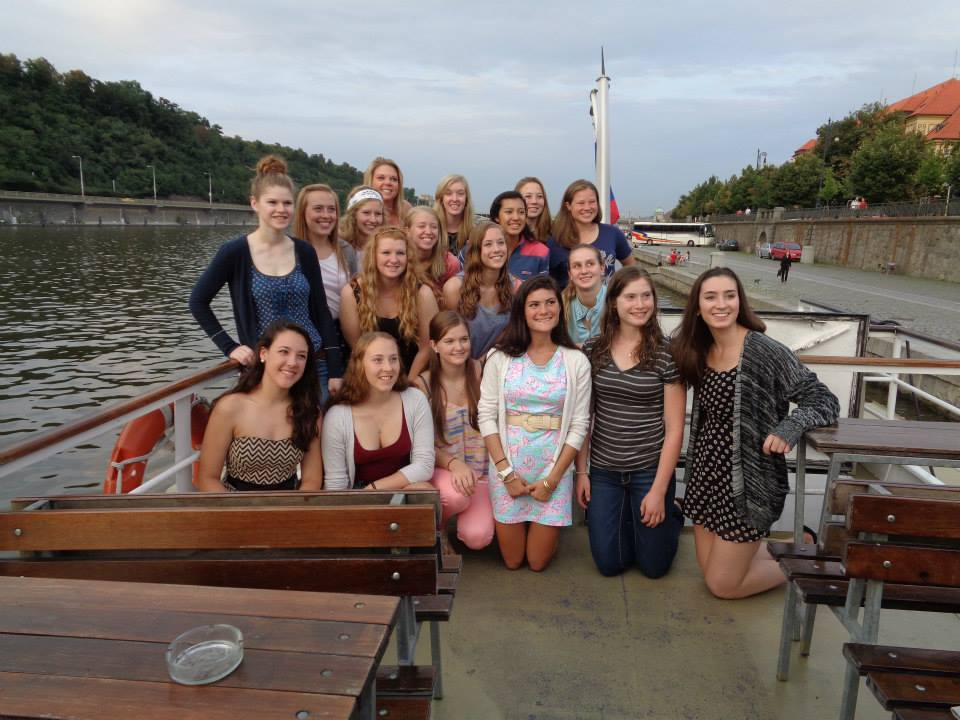 The 2014 Team on the river.