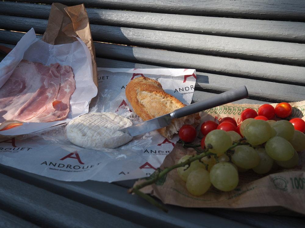 bench picnic! yum!