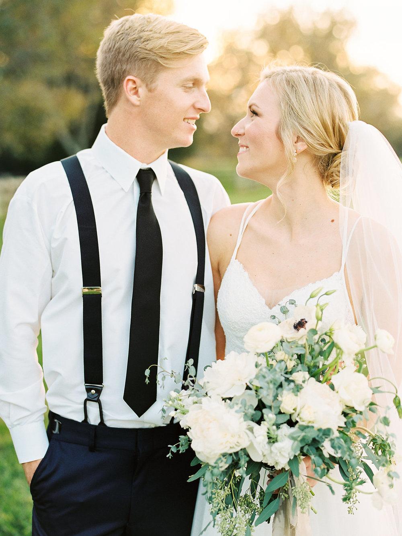organic style bridal bouquet