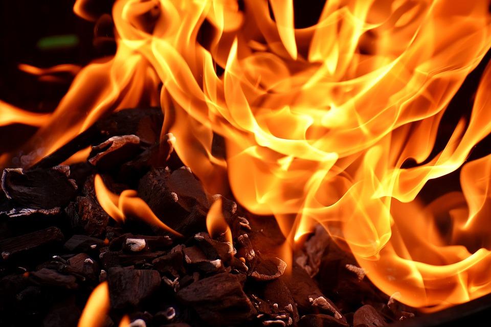 fire-2777580_960_720.jpg