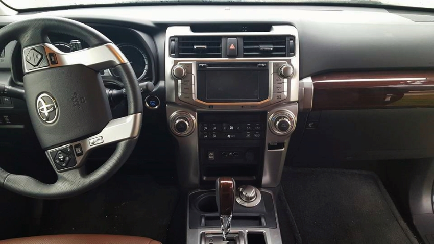 Drivers POV everything within easy of reach. Loved the wood trim shifter and console area.