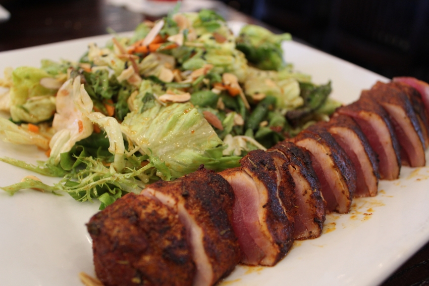 Blackened Ahi Tuna Salad from the 600 Menu