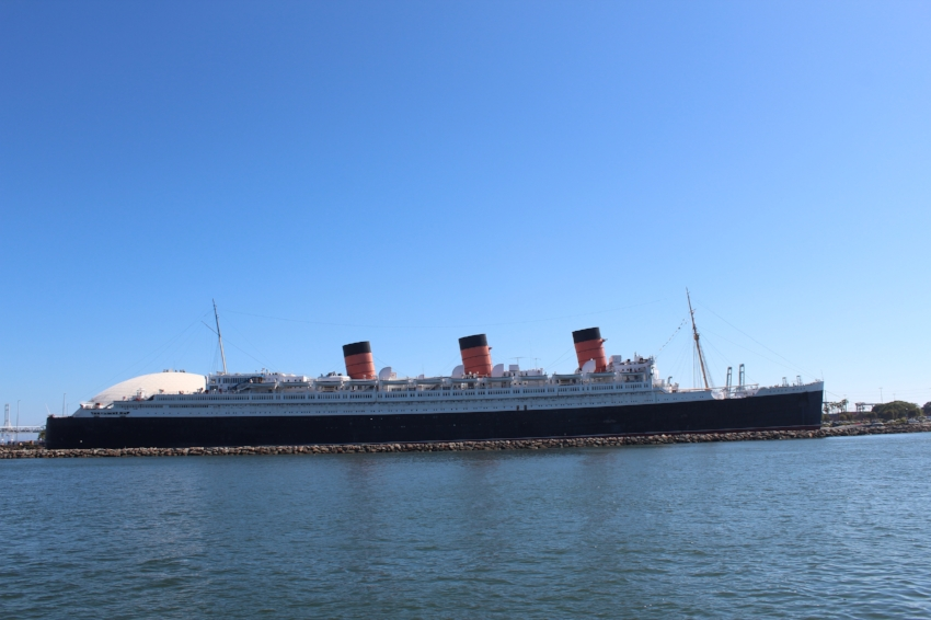 Queen Mary and the dome that formally held the Spruce Goose
