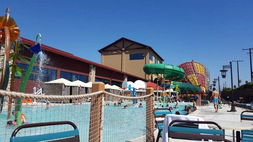 Great Wolf Lodge garden Grove (c) Cleverly Catheryn