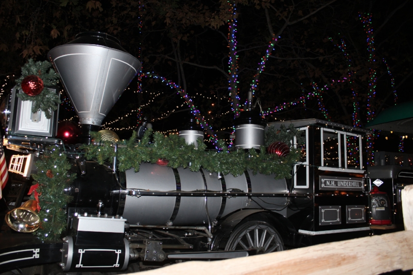 christmas train to see santa claus irvine park railroad cleverly catheryn - Irvine Christmas Train