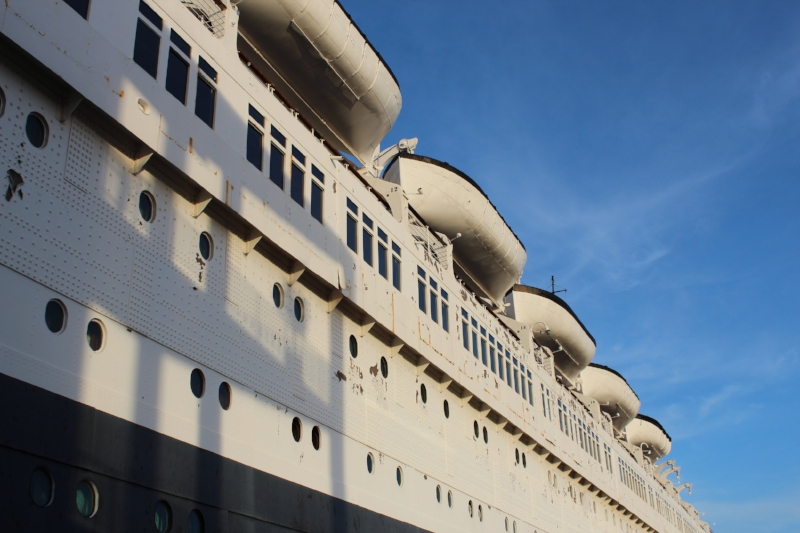 In all her glory, did you know she is larger than the Titanic? The Queen Mary Measures in at 1019' long. Levels with the portholes are the State Rooms/suites- there are 346 room in all.