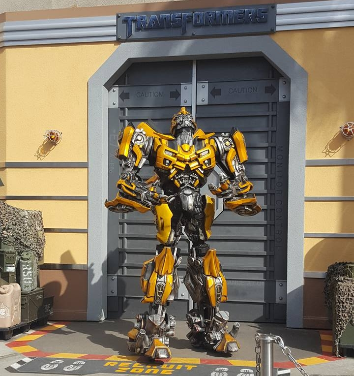 Get up close to the Transformers before boarding the ride,  photo opps avaliable too.