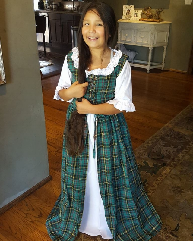 Tartan Dress from medieval Collectibles (c) Cleverly Catheryn