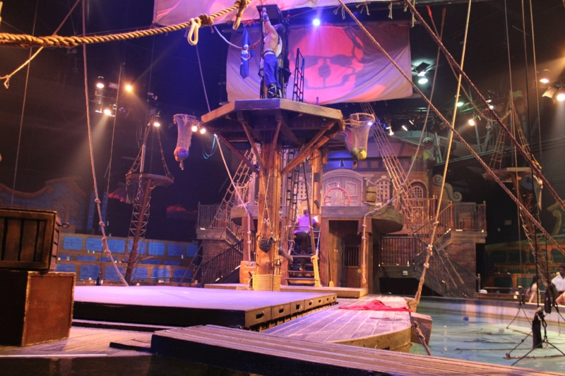 From Rise of the Sea Dragon' show, the ship is submerged in a pool of water.