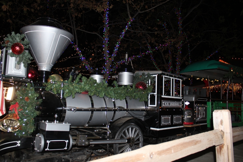 Christmas Train to Santa at Irvine Park Railroad (c) Cleverly Catheryn