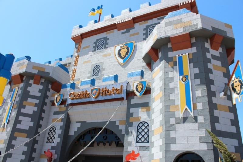 Legoland California Castle Hotel (c) Cleverly Catheryn