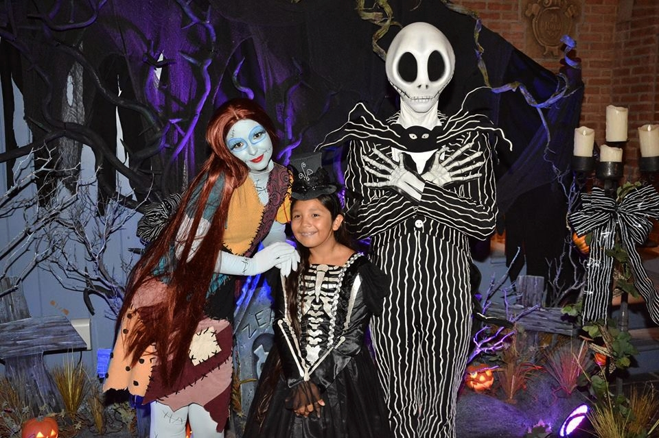 Meet and Greet with Jack and Sally. Tip: Check the app for times and line up early! Using the DAS? You can get a return time, just ask!