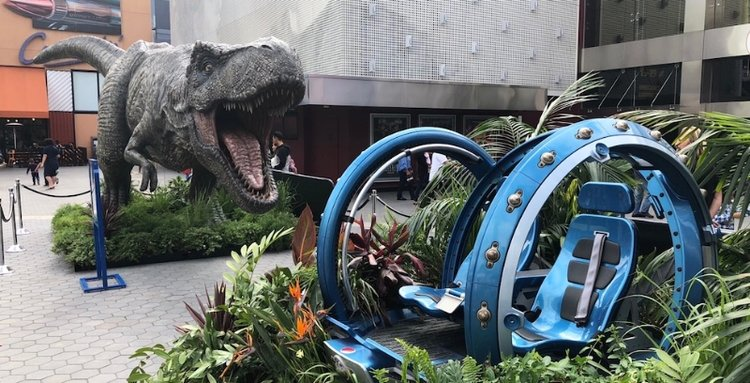 Jurassic World Fallen Kingdom Takes Over Universal Citywalk