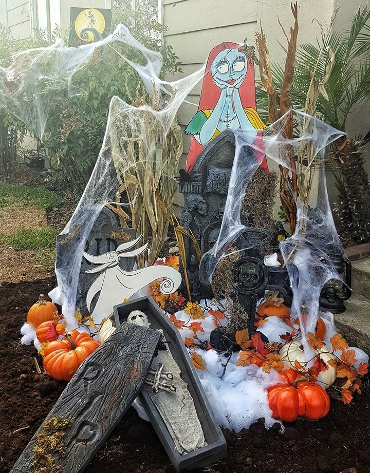 Nightmare Before Christmas DIY Halloween Lawn Decor