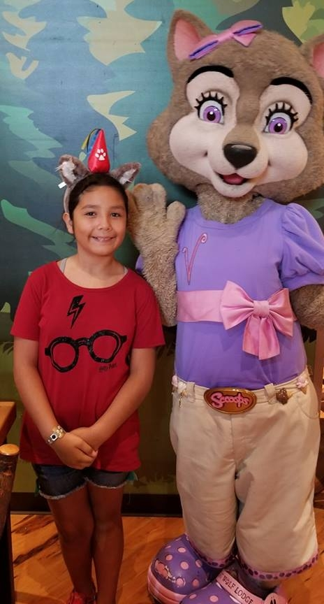 Violet at Great Wold Lodge Anaheim (c) Cleverly Catheryn