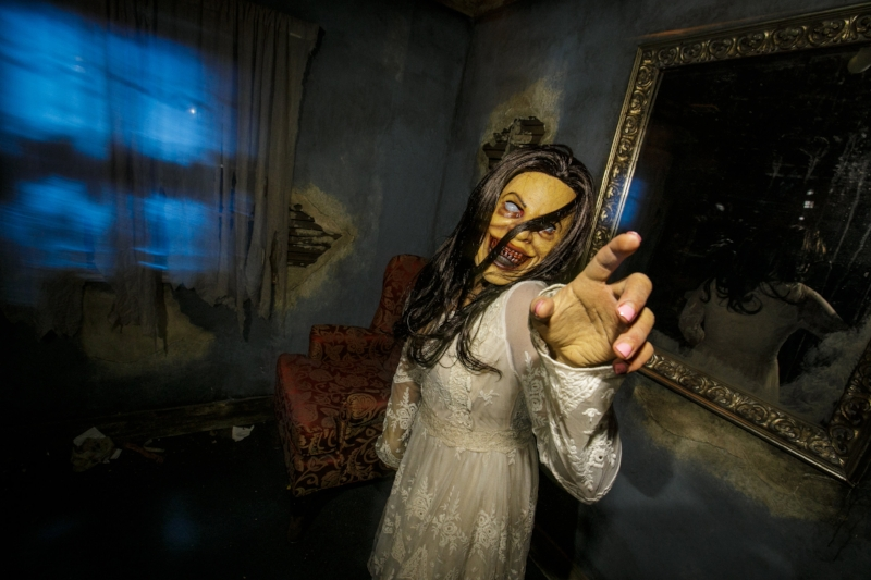 top picks and tips for visiting halloween horror nights at universal