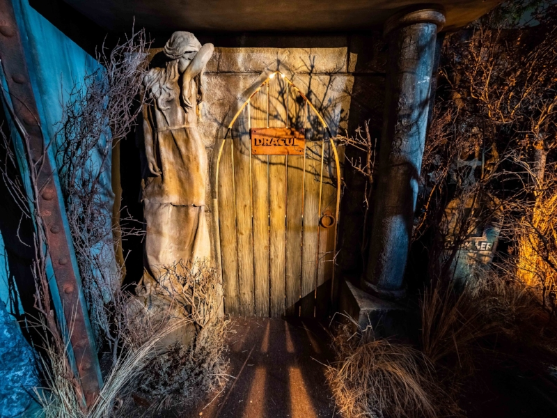 Universal Monsters - HHN 2018 - 9.jpg