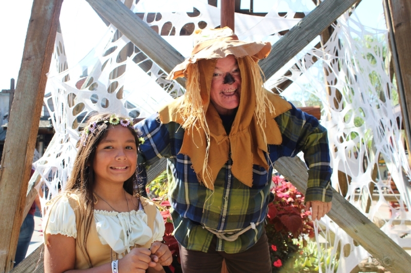 Knott's Spooky Farm (c) Cleverly Catheryn
