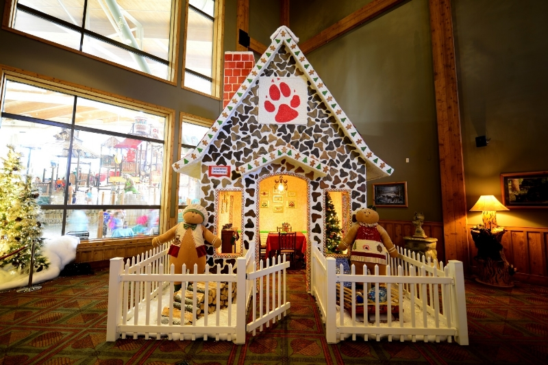 great wolf lodge annual snowland celebration cleverly catheryn - The Christmas Lodge