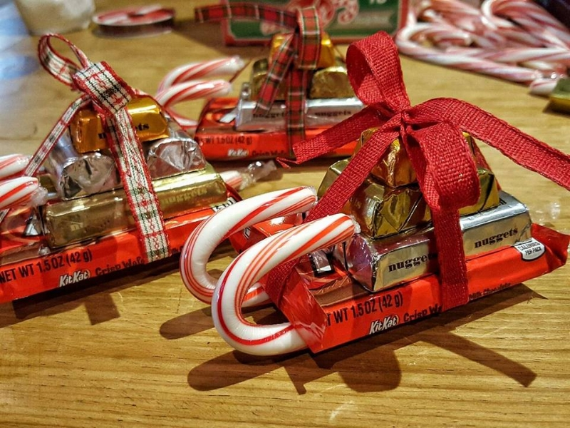 Kit Kat Santa Sleighs that are Simple to Make — Cleverly Catheryn
