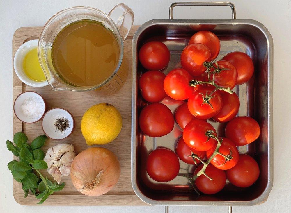 Dette trenger du for å lage ovnsbakt tomatsuppe.