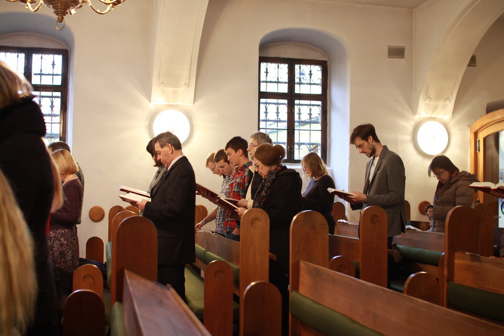 congregation-praying.JPG