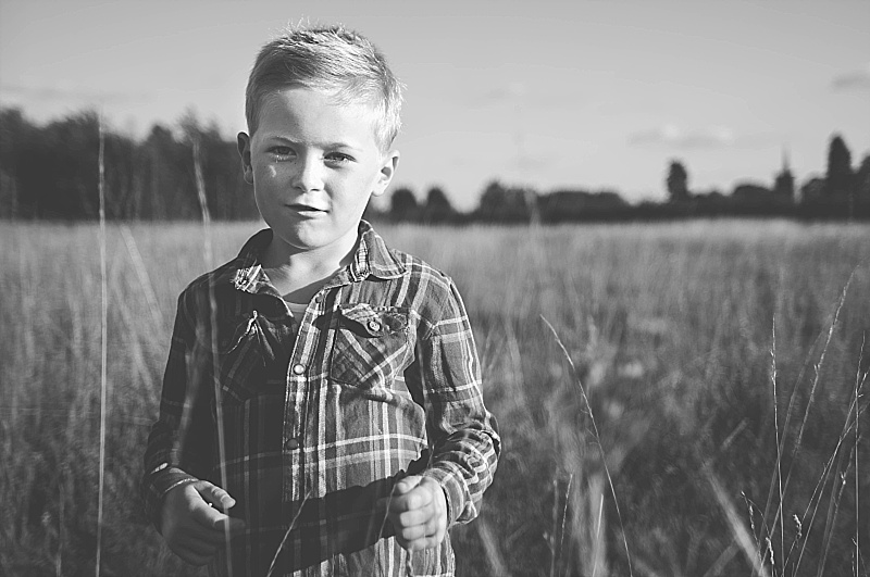 Essex PhotographerAutumn Portraits Creative Lifestyle Kids Family Essex  (3).jpg