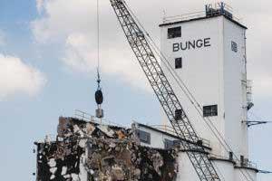 bunge-grain-elevator-salvage-demo-1.jpg