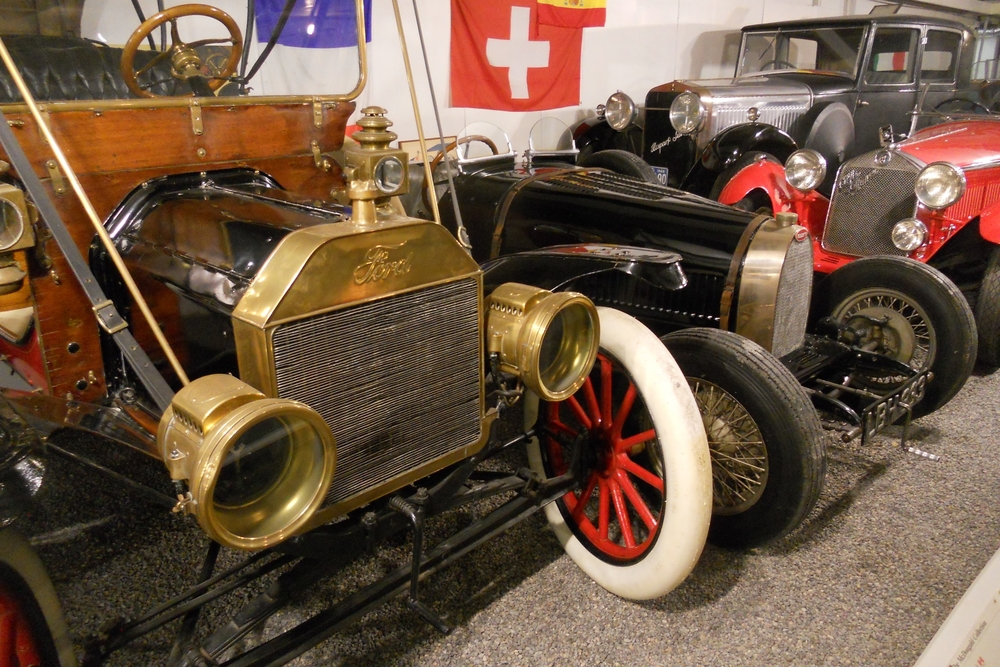 About the Canadian Automotive Museum