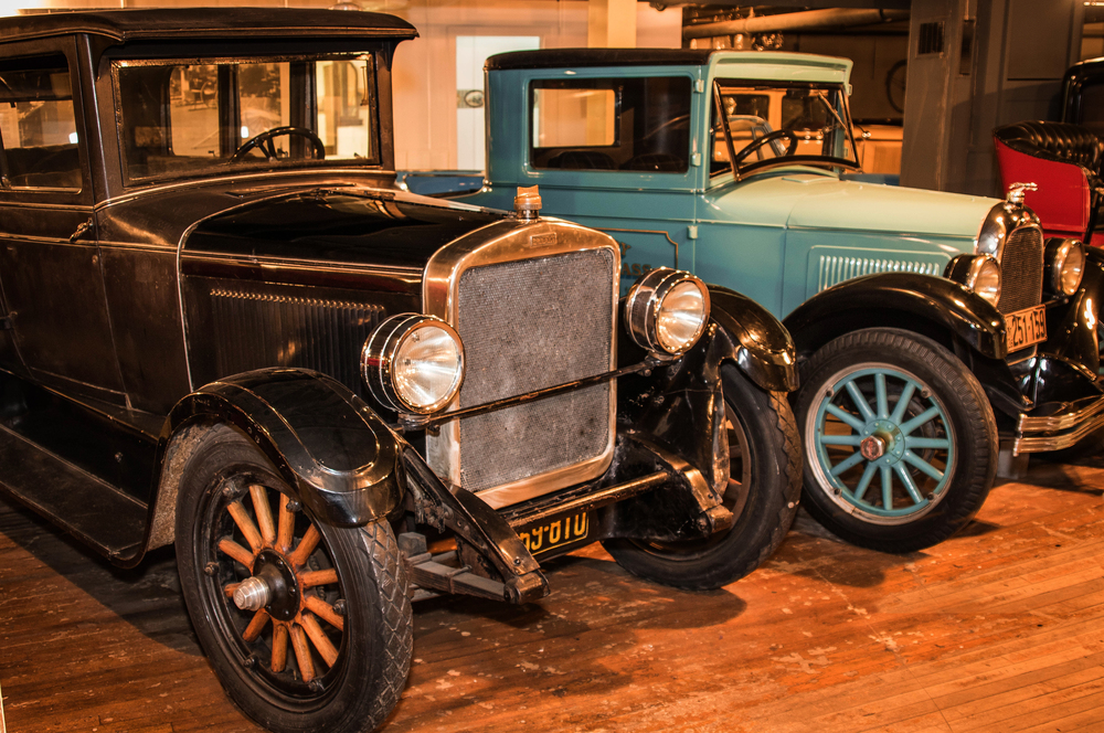 (left) 1925 Brooks Steamer and (right) 1926 Willys Whippet
