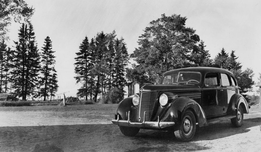 1938 Hupmobile - Clara Dennis's car, a 1938 Hupmobile. Clara Dennis Nova Scotia Archives, 1981-541 no.1330.