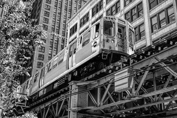 historic-chicago-el-train-black-and-white-christopher-arndt