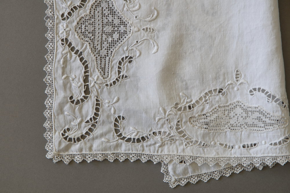 Vintage White Individual 4.JPG