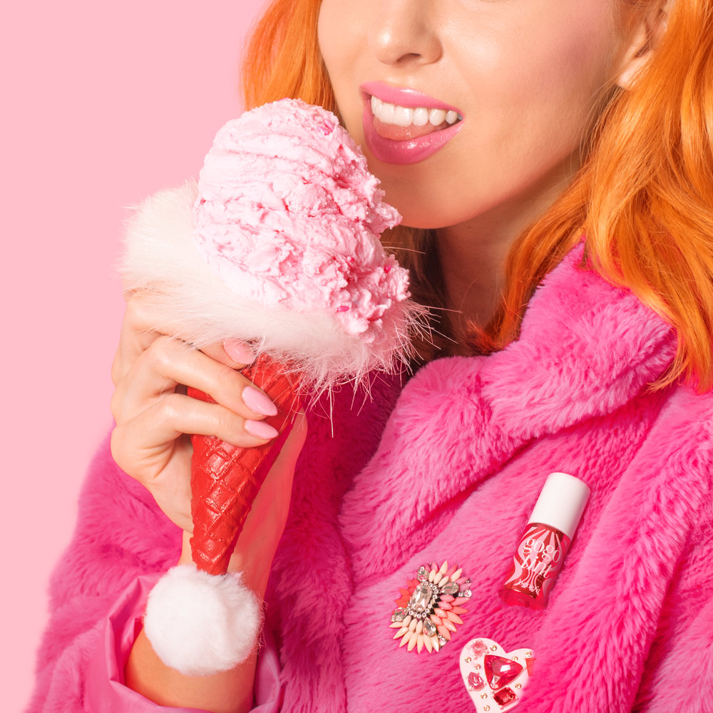 benefit-holiday-santa-ice-cream-02.jpg