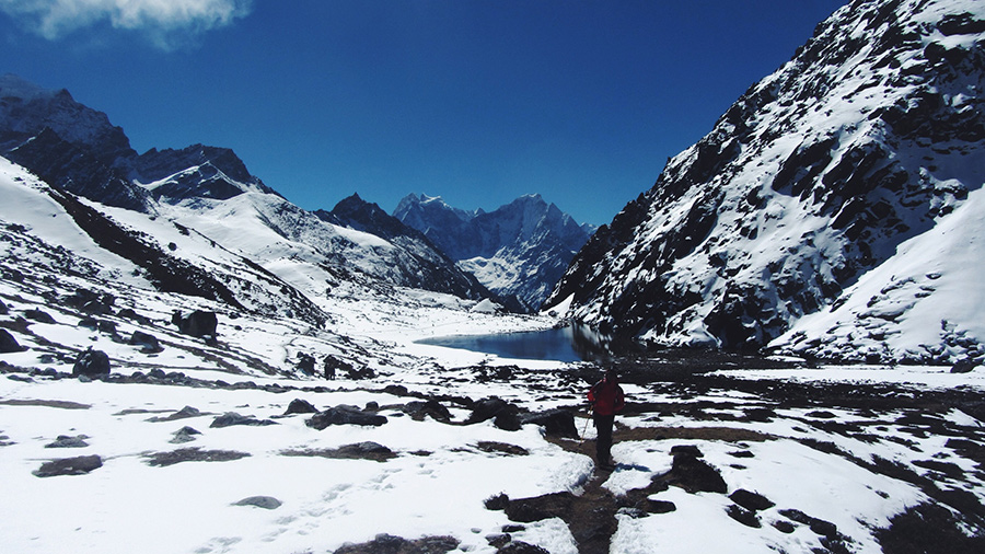 Everest Base Camp trek via Gokyo Lakes