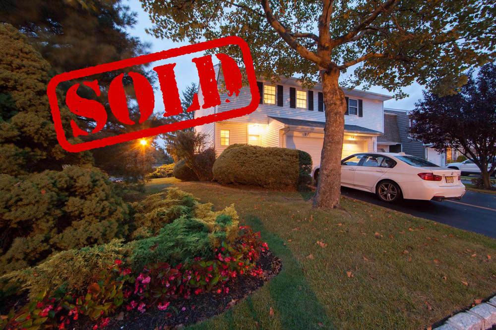 77 woodlake drive, woodbury ny - $565,000 // sold