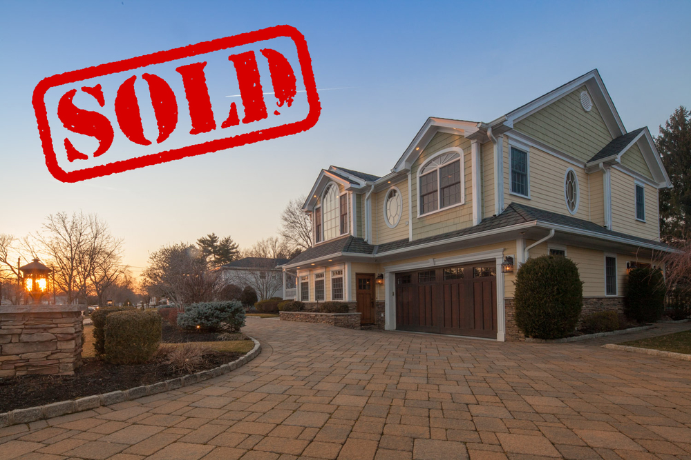 200 beechwood road, oradell nj - $1,150,000 // sold