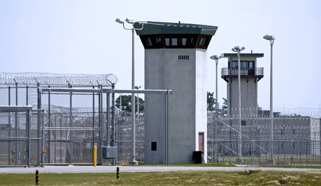 prison:jail.jpg