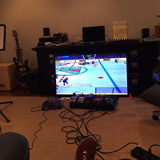 Ghetto rigged Wayne Gretzky's 3D Hockey '98 in da studio. Shits about to get real. #N64 #nintendo #gretzky #prs