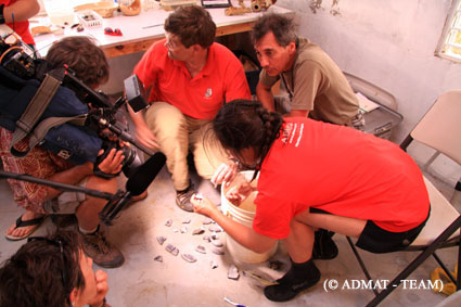 Simon and the Team doing a piece to camera in 2010 for Thalassa 3 France National TV's film on ADMAT's work protecting French historic shipwrecks in the Dominican Republic.