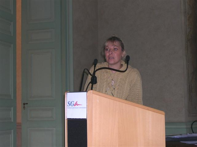 Florence Prudhomme giving her paper on the English Archives.