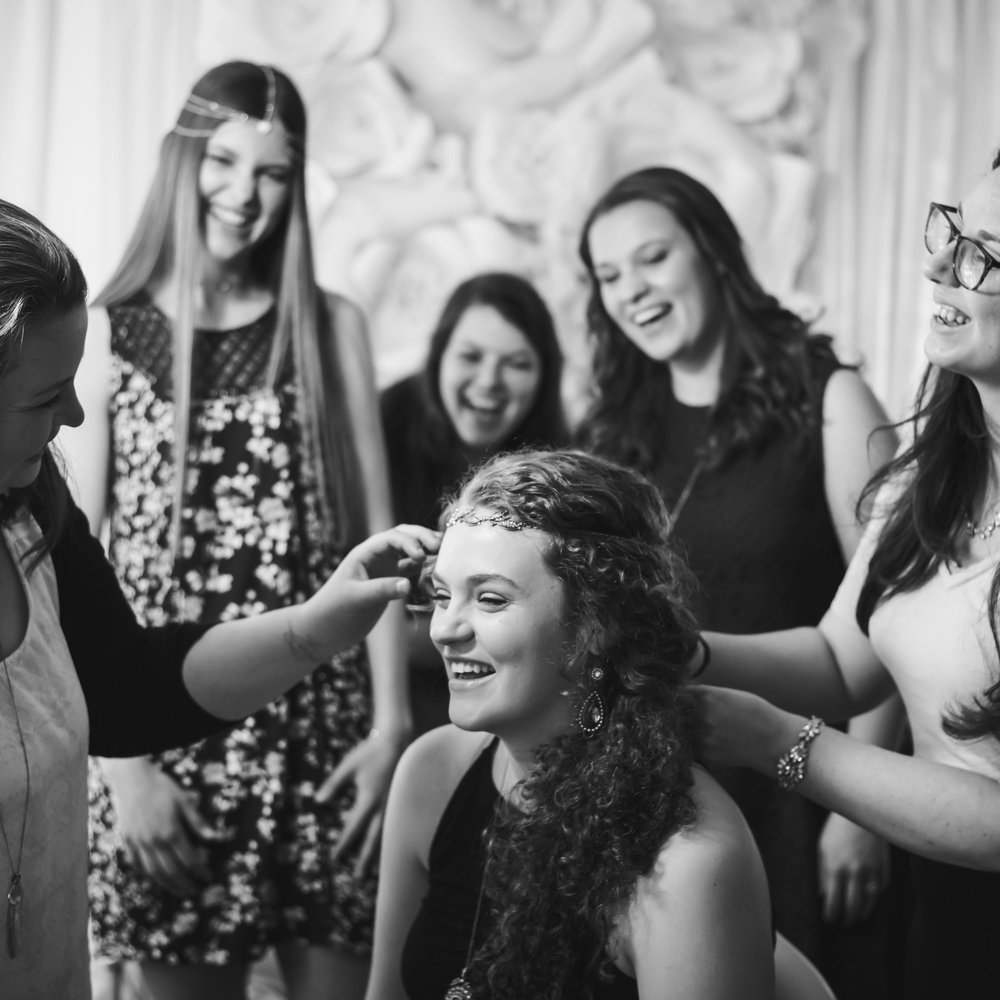 - The ultimate day out with friends. Hair/make up AND accessory styling included. Group and individual images included. Usually yields 40-50 proofing images/student.